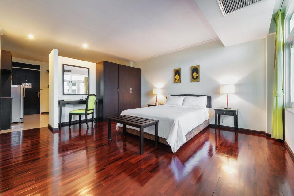 Deluxe One Bedroom (over 40 sqm)